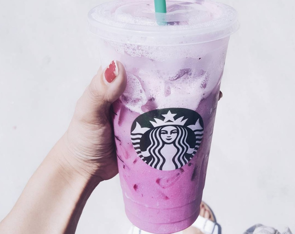 14 Adorable Stories of Starbucks Baristas Who Fell in Love at Work
