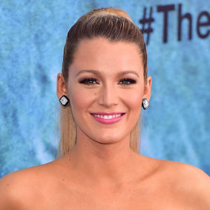 Blake Lively got a perm and she looks exactly like your fave '80s and '90s rom-com heroines