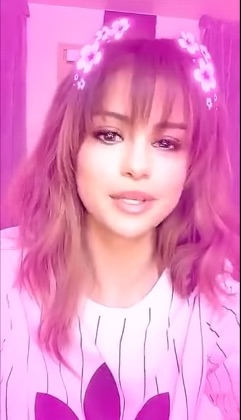 Selena Gomez Did A Snapchat Q Amp A On Her Revival Tour And