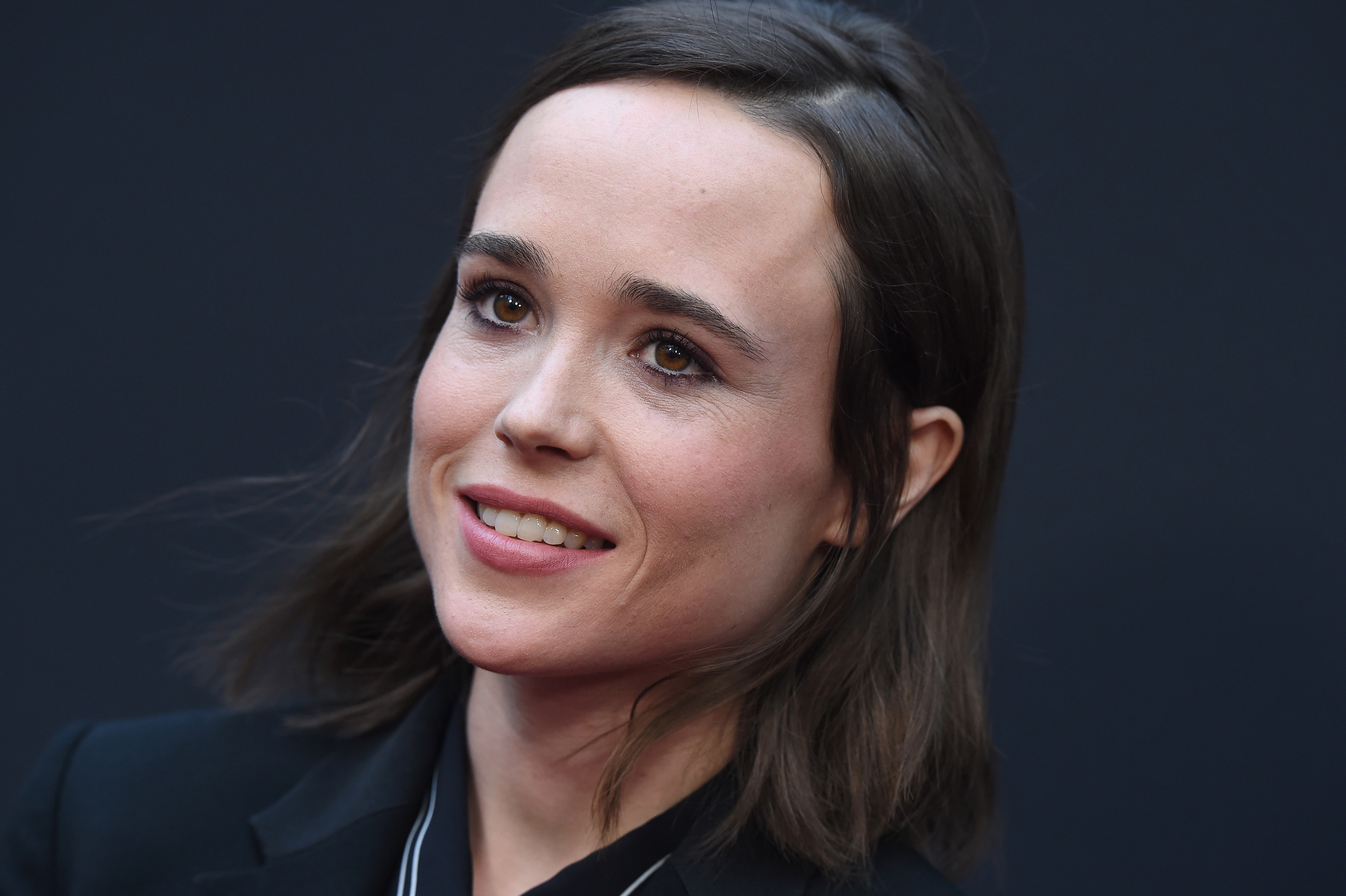 Ellen Page rocks a shirt with Pokéballs on it and we're in love - HelloGiggles