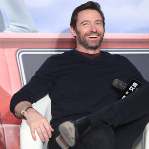 Hugh Jackman is ridiculously hot in this workout vid