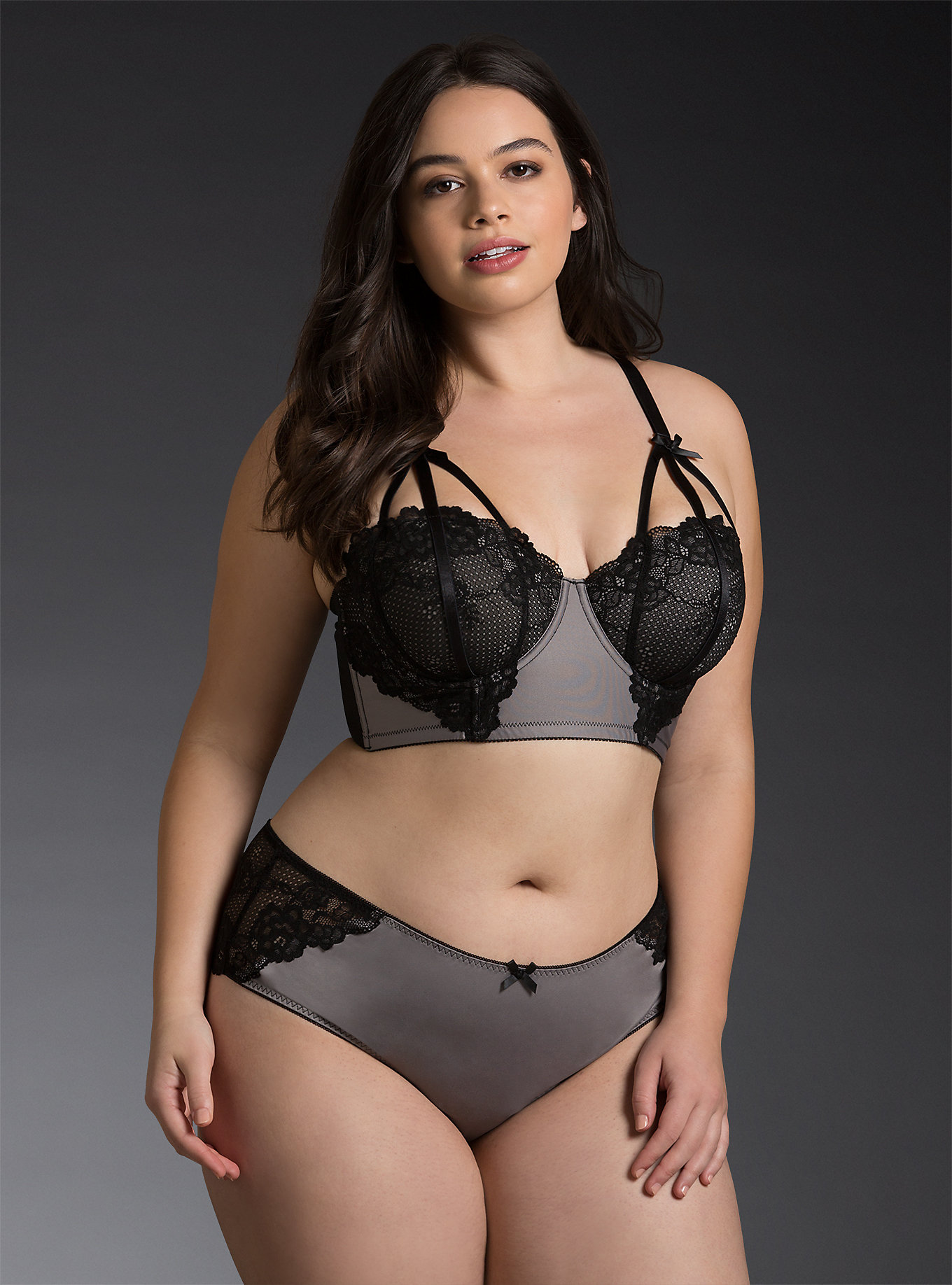 5 Torrid Strappy Lace Long Line Bra And Panty