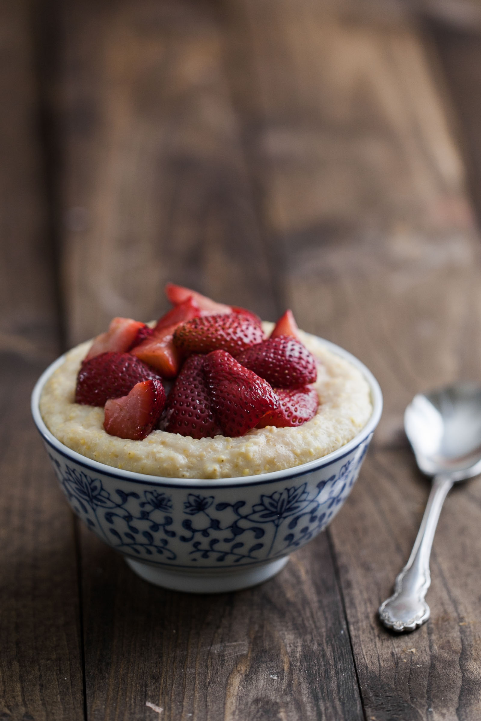 millet_porridge_strawberries-2