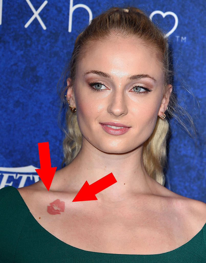 Gorgeous New Season Nail Art Ideas: Sophie Turner Officially Debuted Her Gorgeous New Blonde