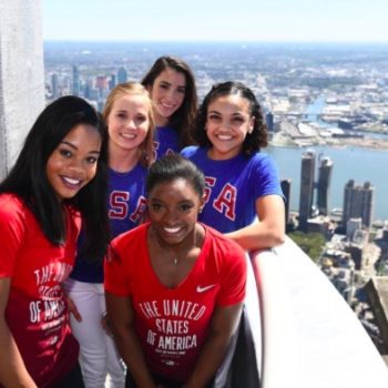 Simone Biles wants to host SNL with the Final Five and YES PLEASE!