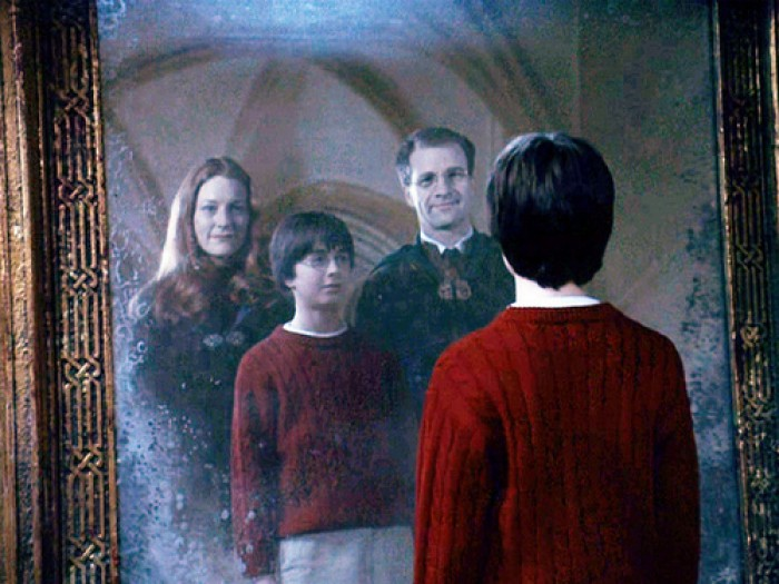 """This theory about Lily Evans and Molly Weasley is one """"Harry Potter"""" theory that will make you WEEP"""