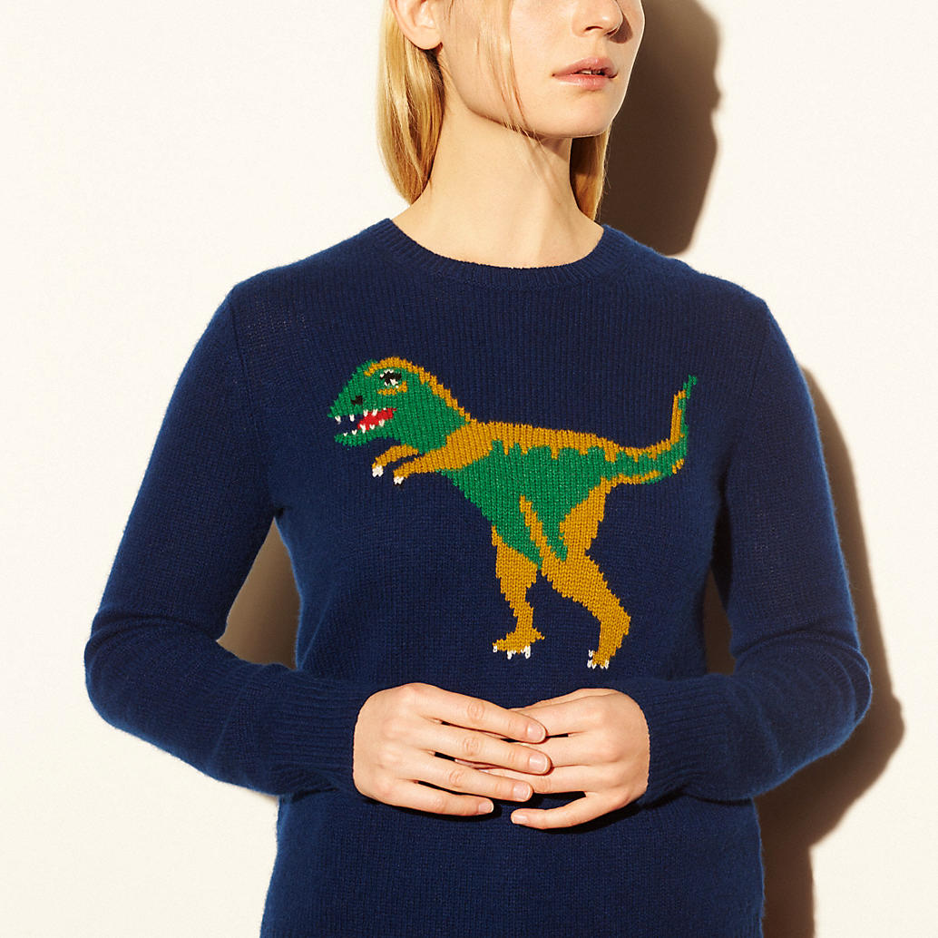 Winona Ryder Rocked A Dinosaur Sweater Because She S