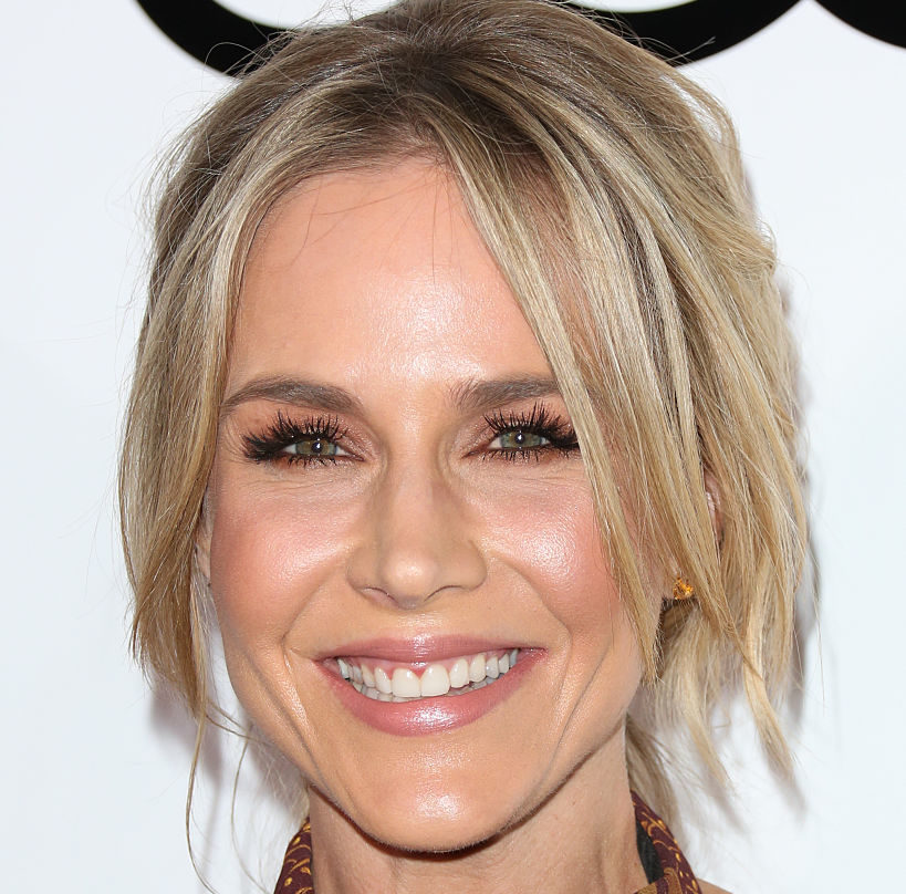 "You MUST see ""Buffy"" star Julie Benz look like an autumn goddess at an Emmys party"