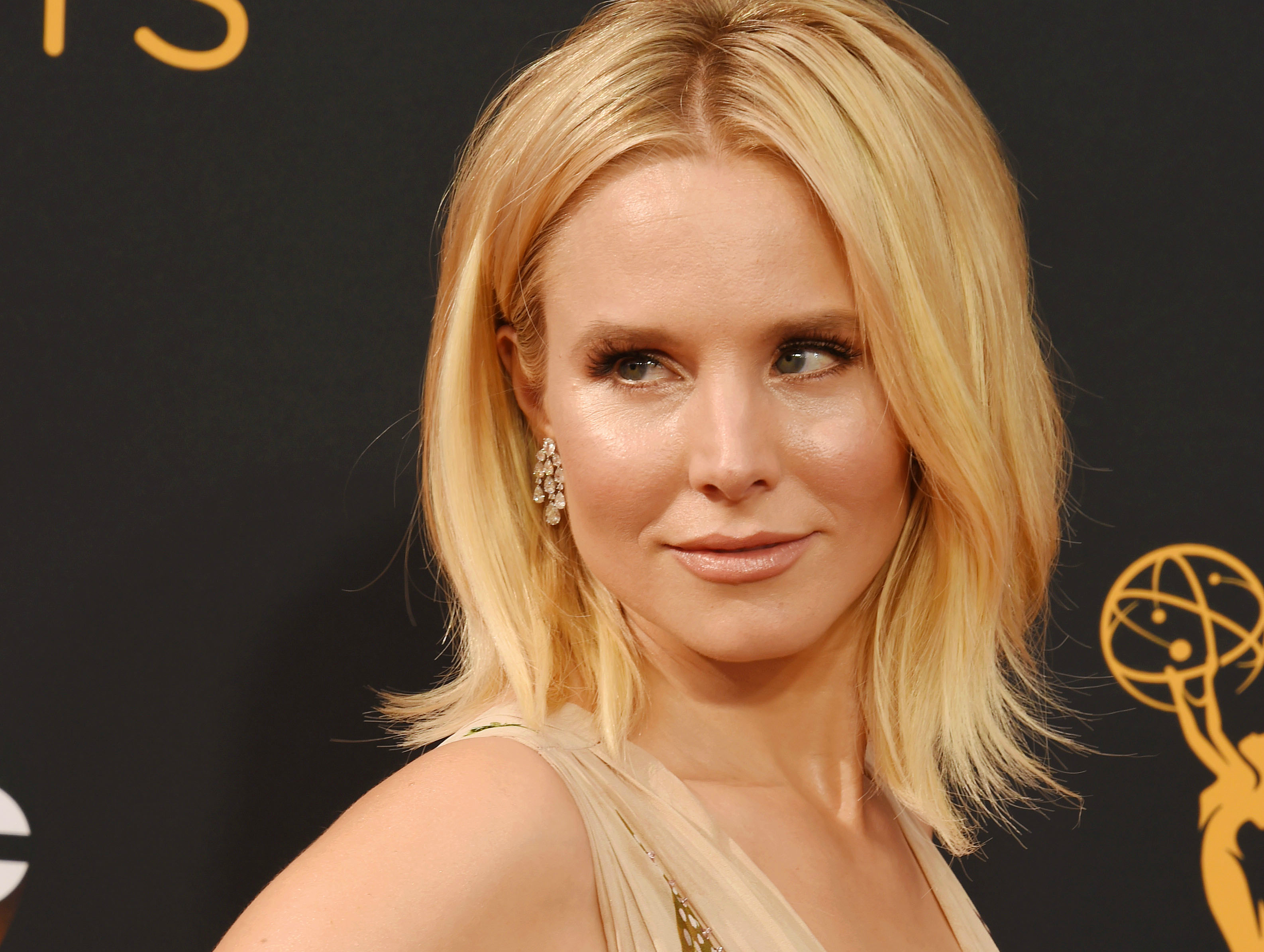 Kristen Bell's Emmys dress was almost too amazing to deal with