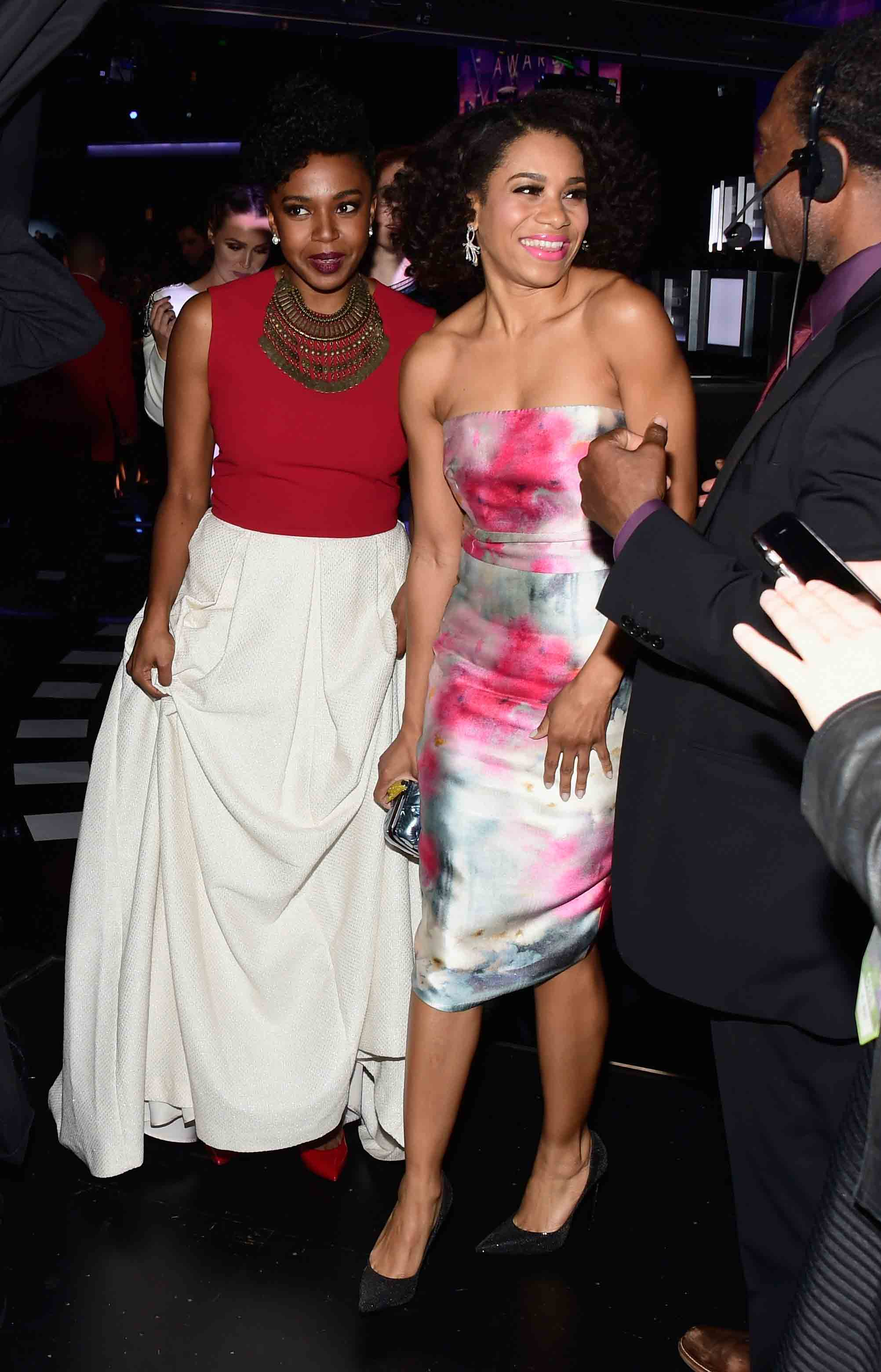 Kelly McCreary and her cast mate Jerrika Hinton together at the People's Choice Awards