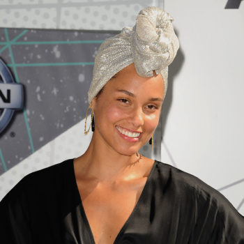 This is the latest star to join Alicia Keys' no-makeup movement