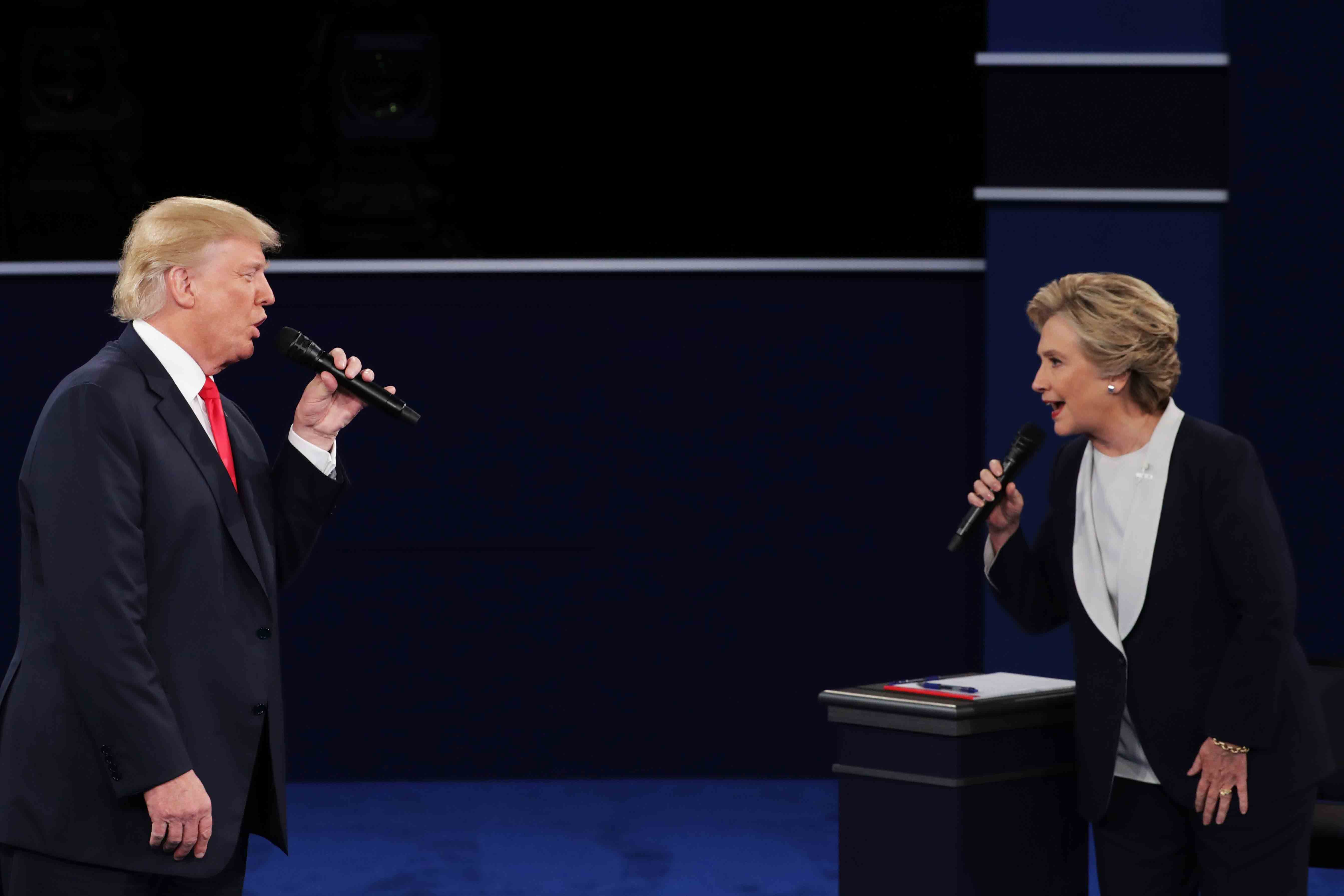 Trump-x-Hilary-singing