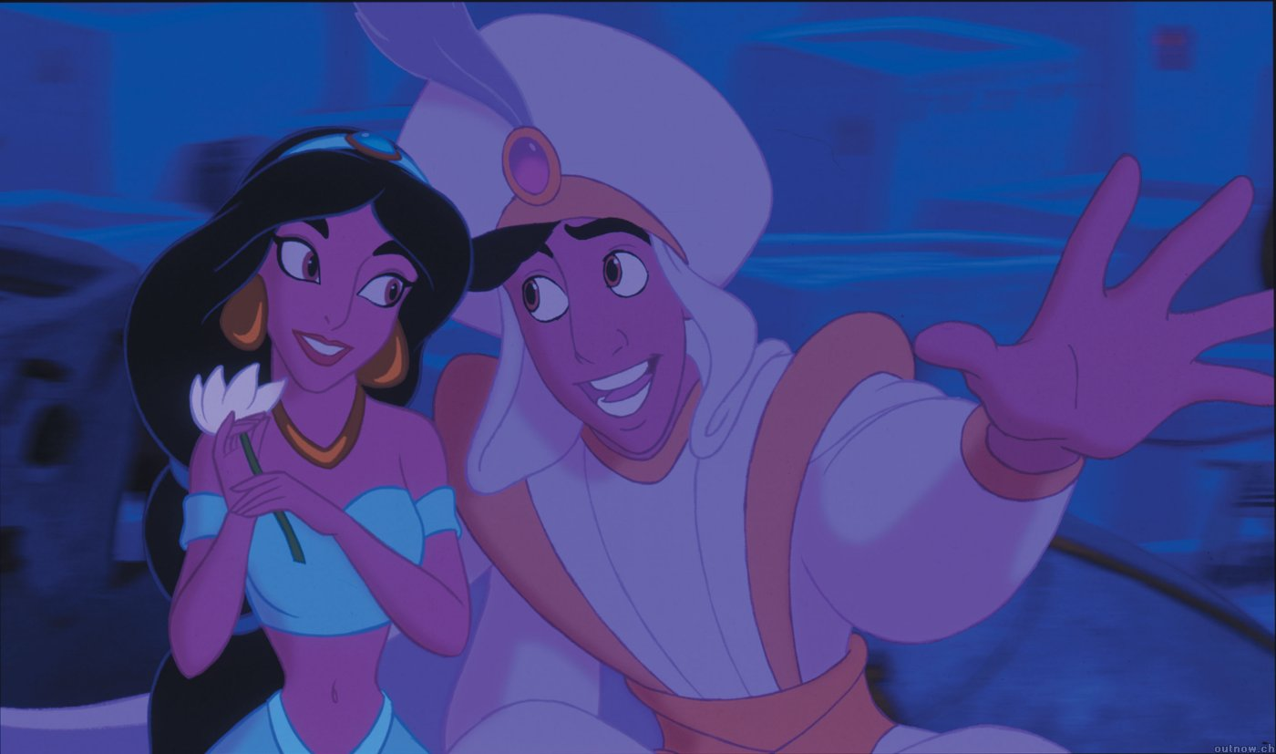 "The voice of Aladdin just sang ""A Whole New World"" live ..."