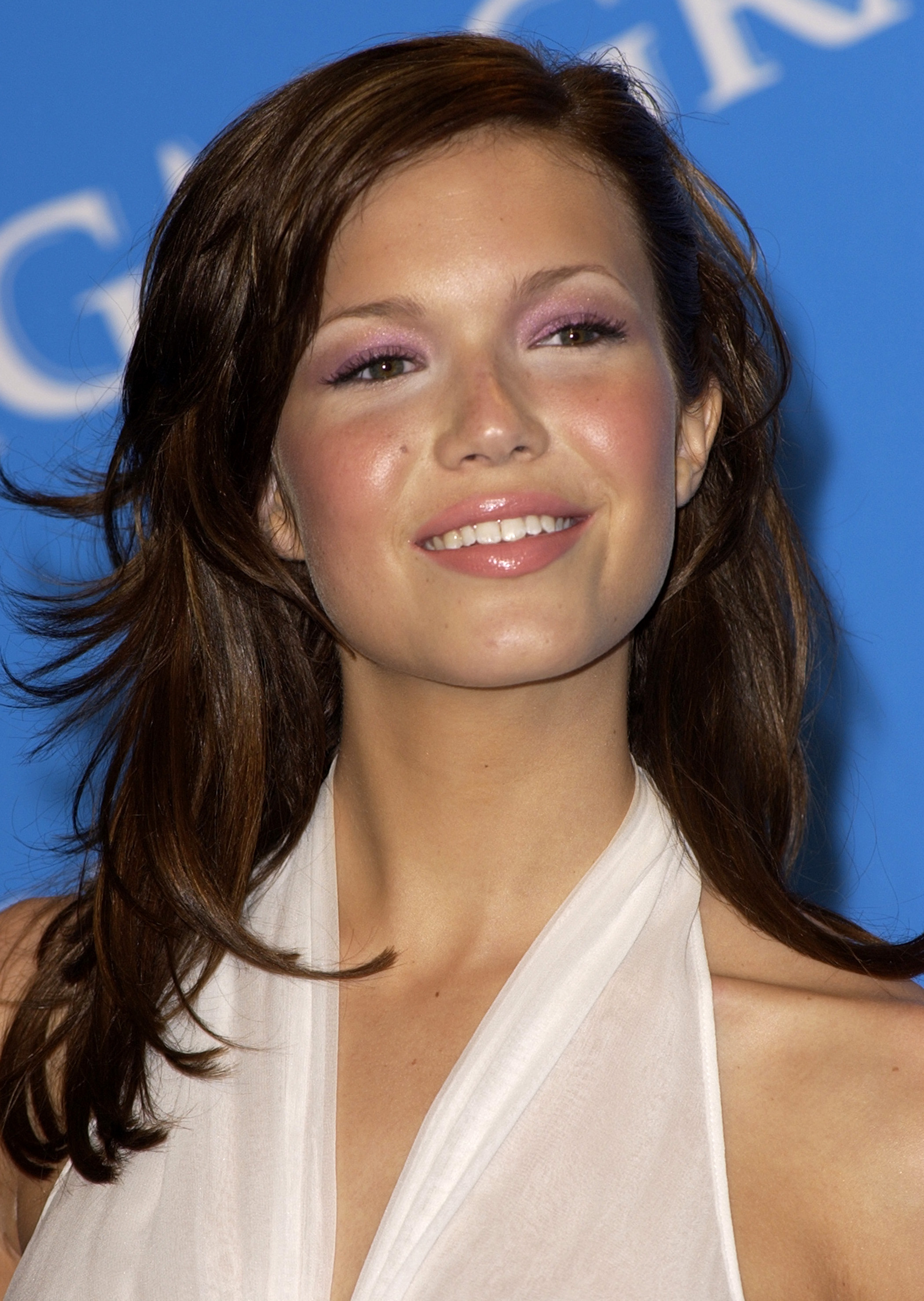 17 Adorable Vintage Photos Of Mandy Moore The Pop Star