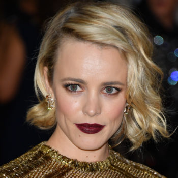 Rachel McAdams' makeup artist is her sister and they honestly look like twins