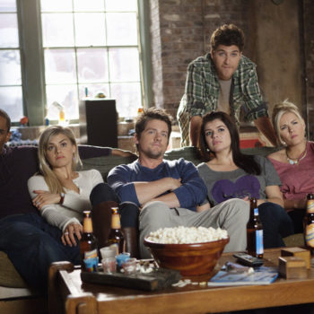 """Here's what happens during the ~lost~ fourth season of """"Happy Endings"""""""