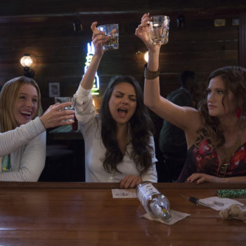 """This deleted """"Bad Moms"""" scene shows Kristen Bell and Mila Kunis at their best"""