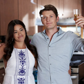 "There's something really bothering us about the latest episode of ""Jane the Virgin"""