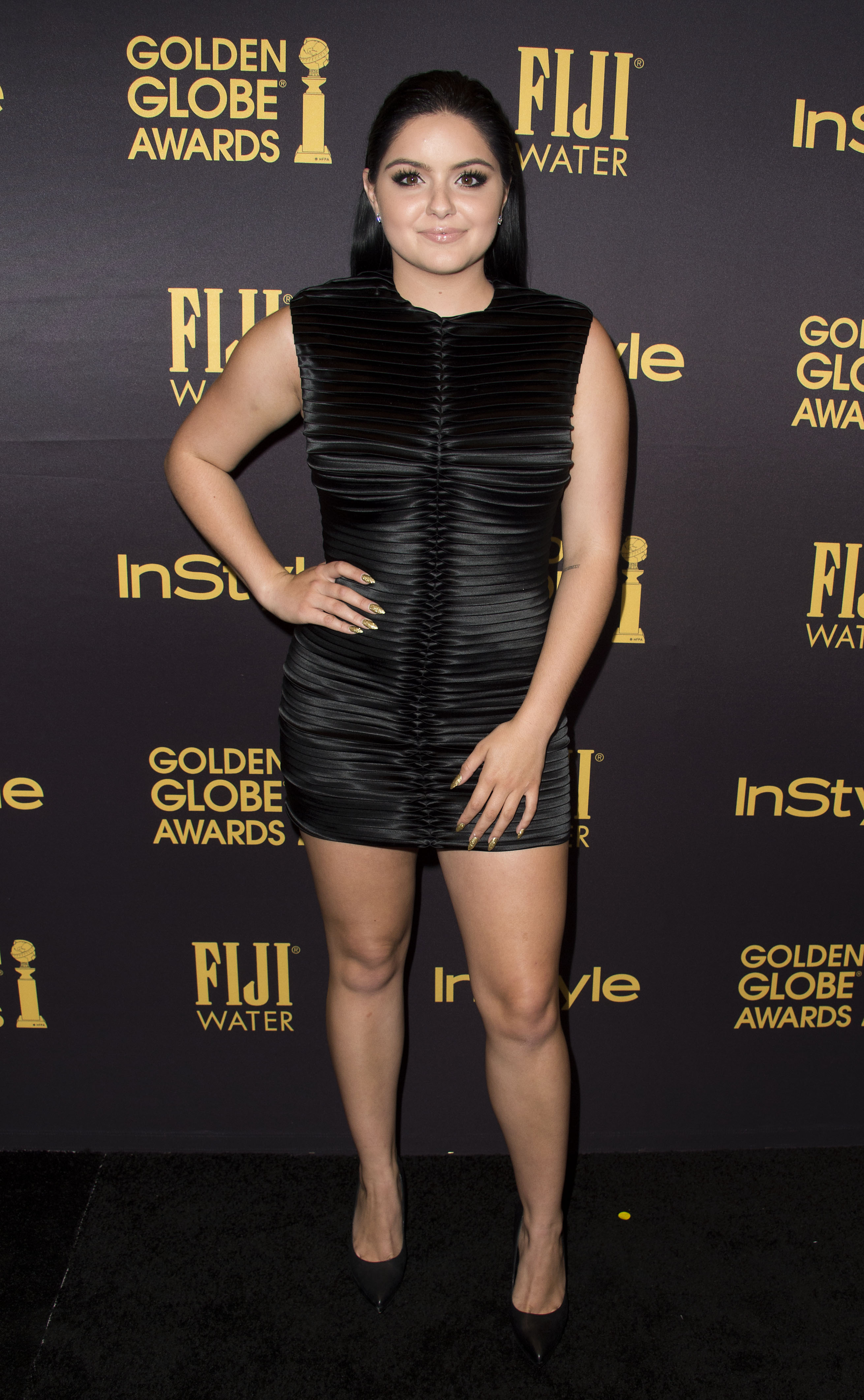 aabc04176c3 Ariel Winter s ruched little black dress is the chicest fashion ...