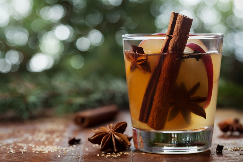 8 amazing apple cider cocktails you're going to want to drink all autumn long