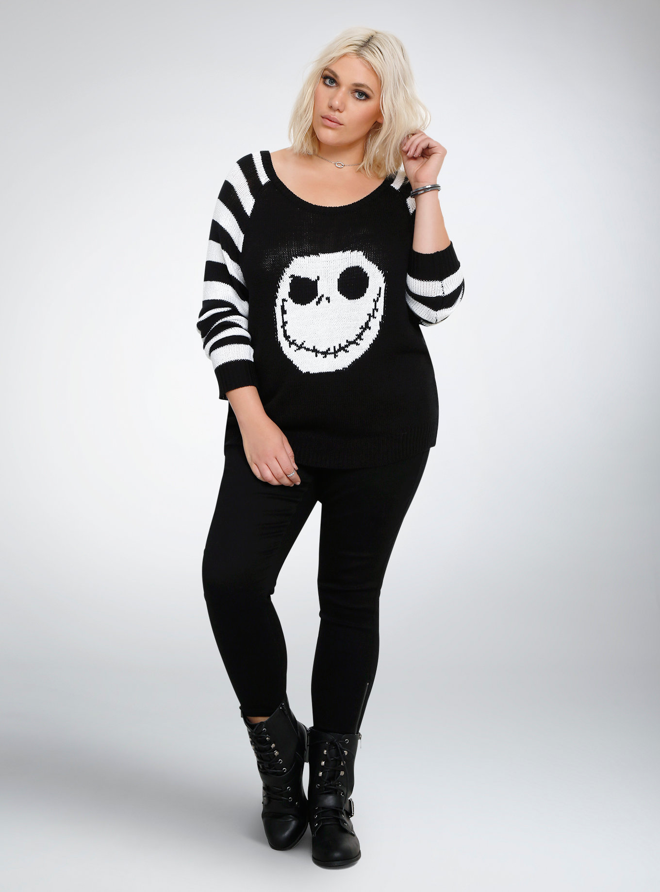 7 awesome Christmas sweaters that will flatter any and every body ...