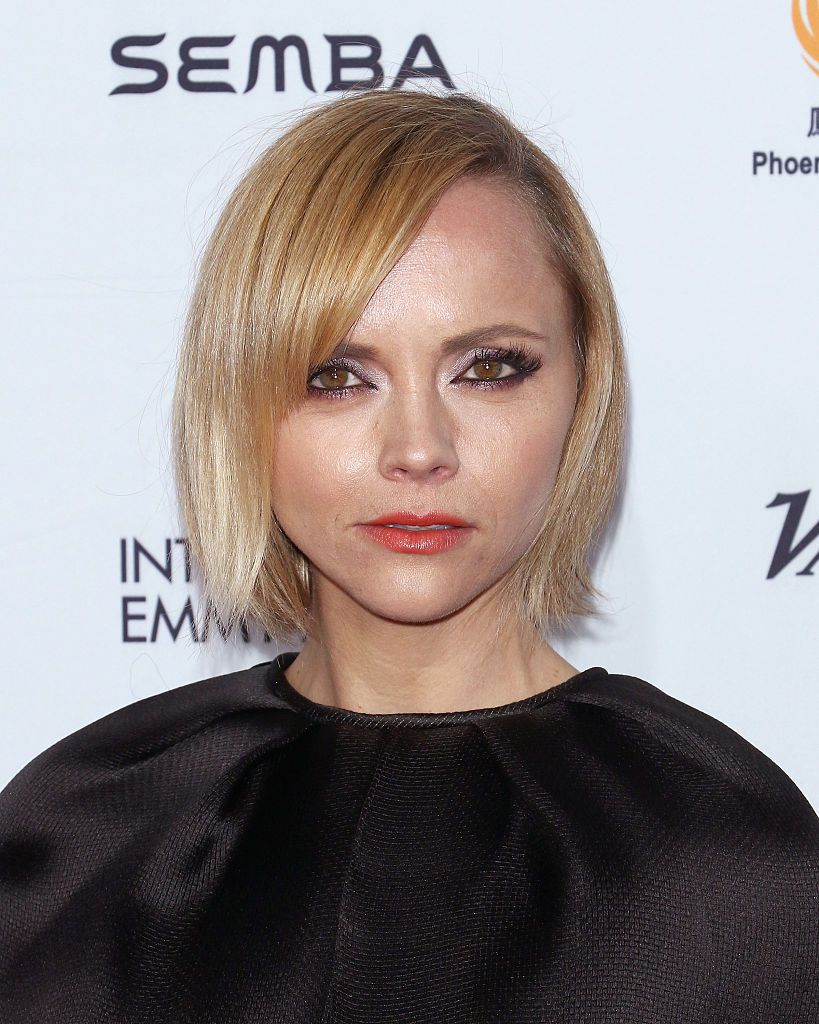 Christina Ricci's capelet at the International Emmy Awards is how a capelet is meant to be worn