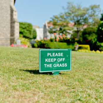 People have been warned to NOT approach this grass that's moving like a waterbed