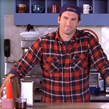 """Watch this video to learn Scott Patterson's, aka Luke from """"Gilmore Girls,"""" fave burger recipe"""