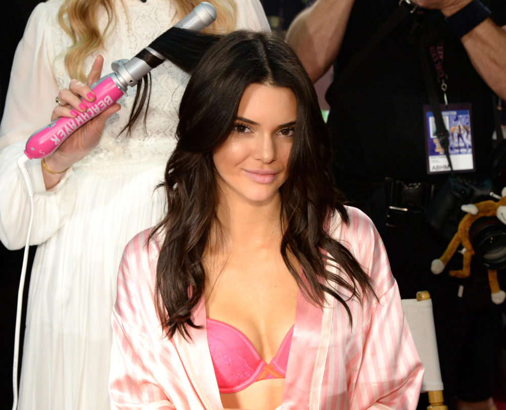 Kendall Jenner Curly Hair 2016