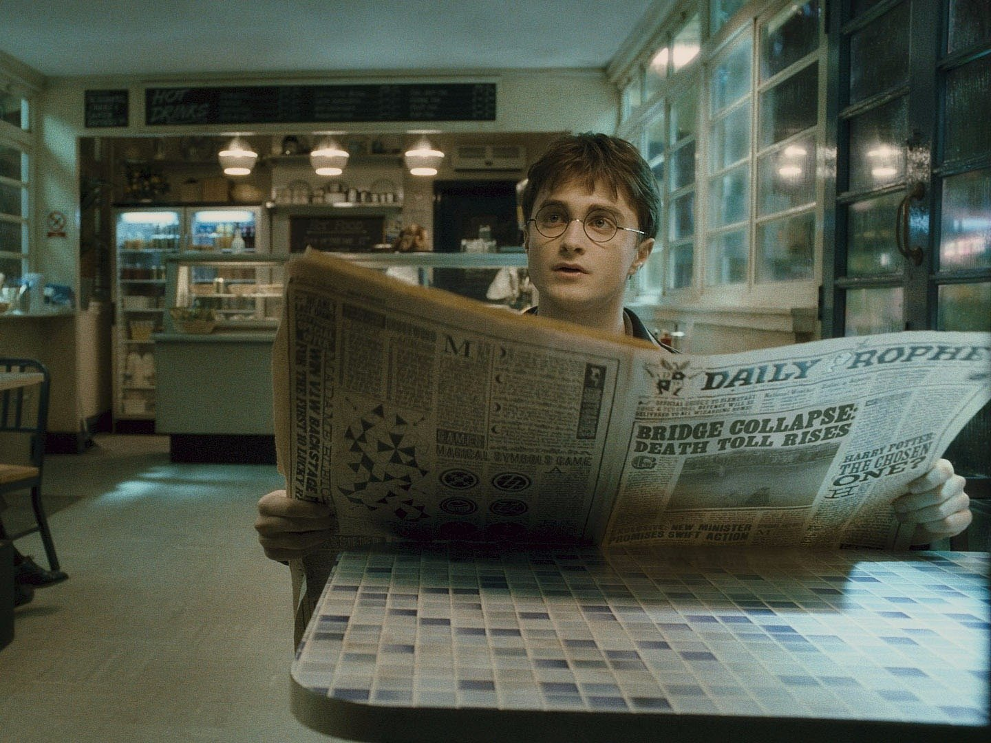 """This new printer creates *moving images* on paper — YES, just like in """"Harry Potter"""""""