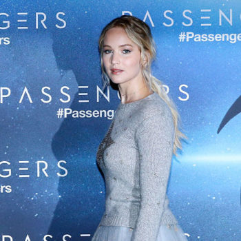 Jennifer Lawrence just styled her hair to make it look like she went for a drastic chop