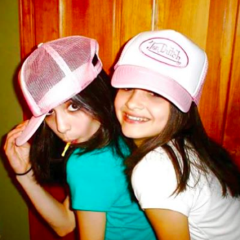 These are the holiday gifts you definitely got from your best friends in the 2000s