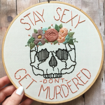These 10 embroidery hoop art gifts are SEW CUTE