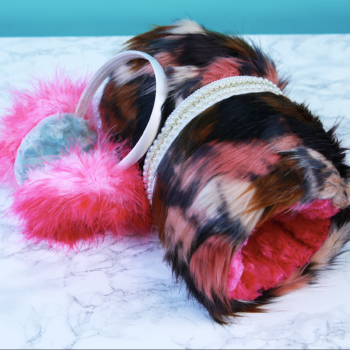 This no-sew DIY muff & earmuff set is the perfect winter accessory