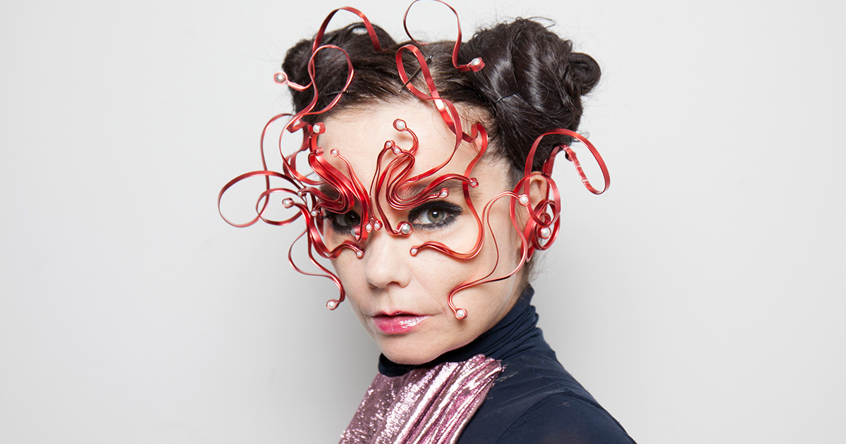 bjork jpg bjork wrote a powerful essay about sexism and we re applauding