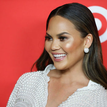 Chrissy Teigen gave away the dress off her back to a fan on Twitter