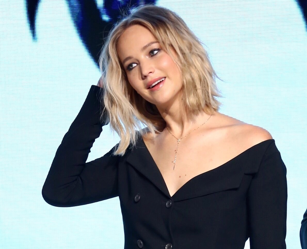 Jennifer Lawrence Has Long Hair And We Cant Wait To Steal Her Look