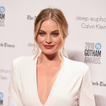 Here's your first look at Margot Robbie ice skating to prep for her Tonya Harding role