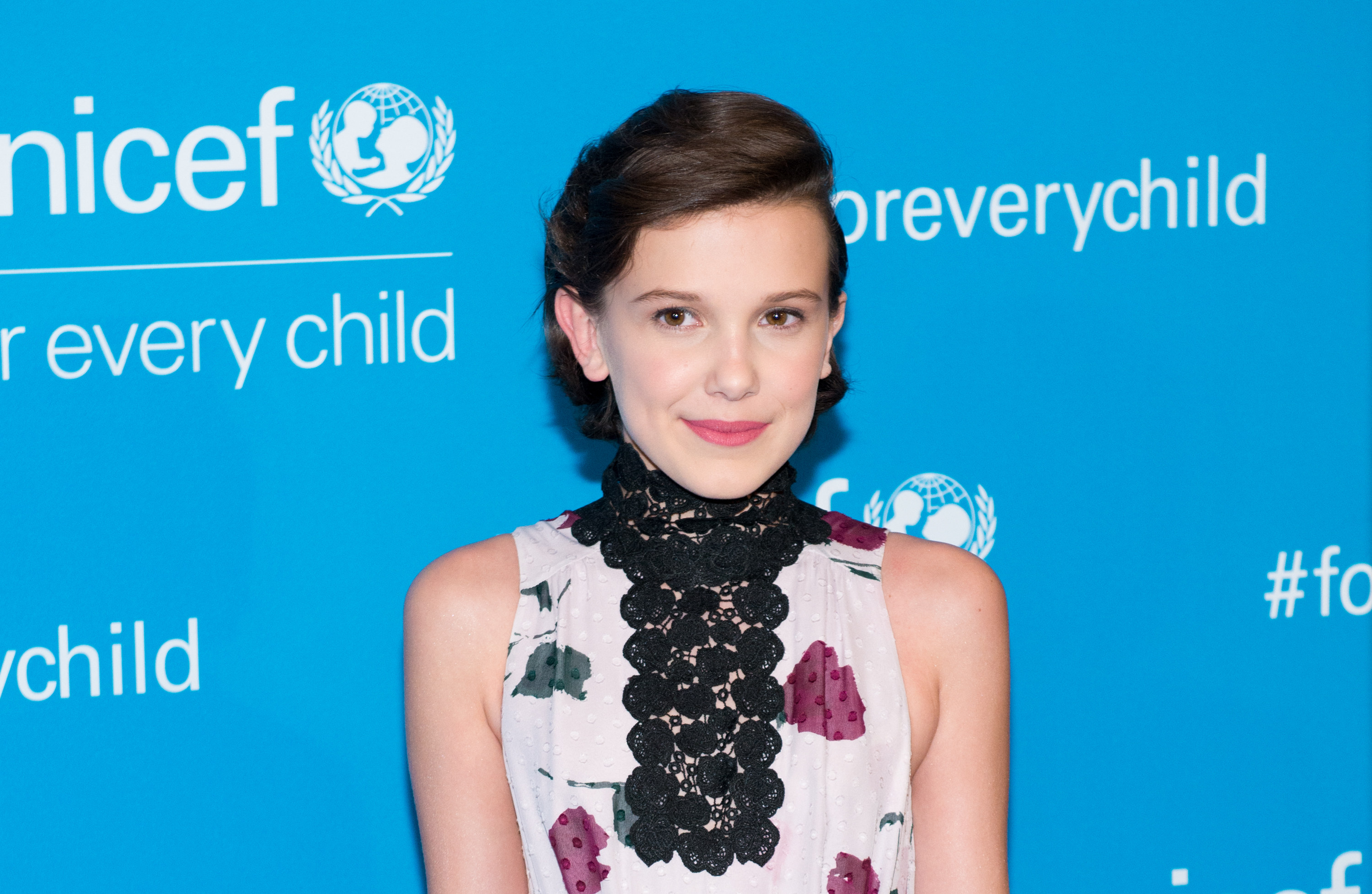 Millie Bobby Brown wore a flapper girl dress with glitter fringe ...