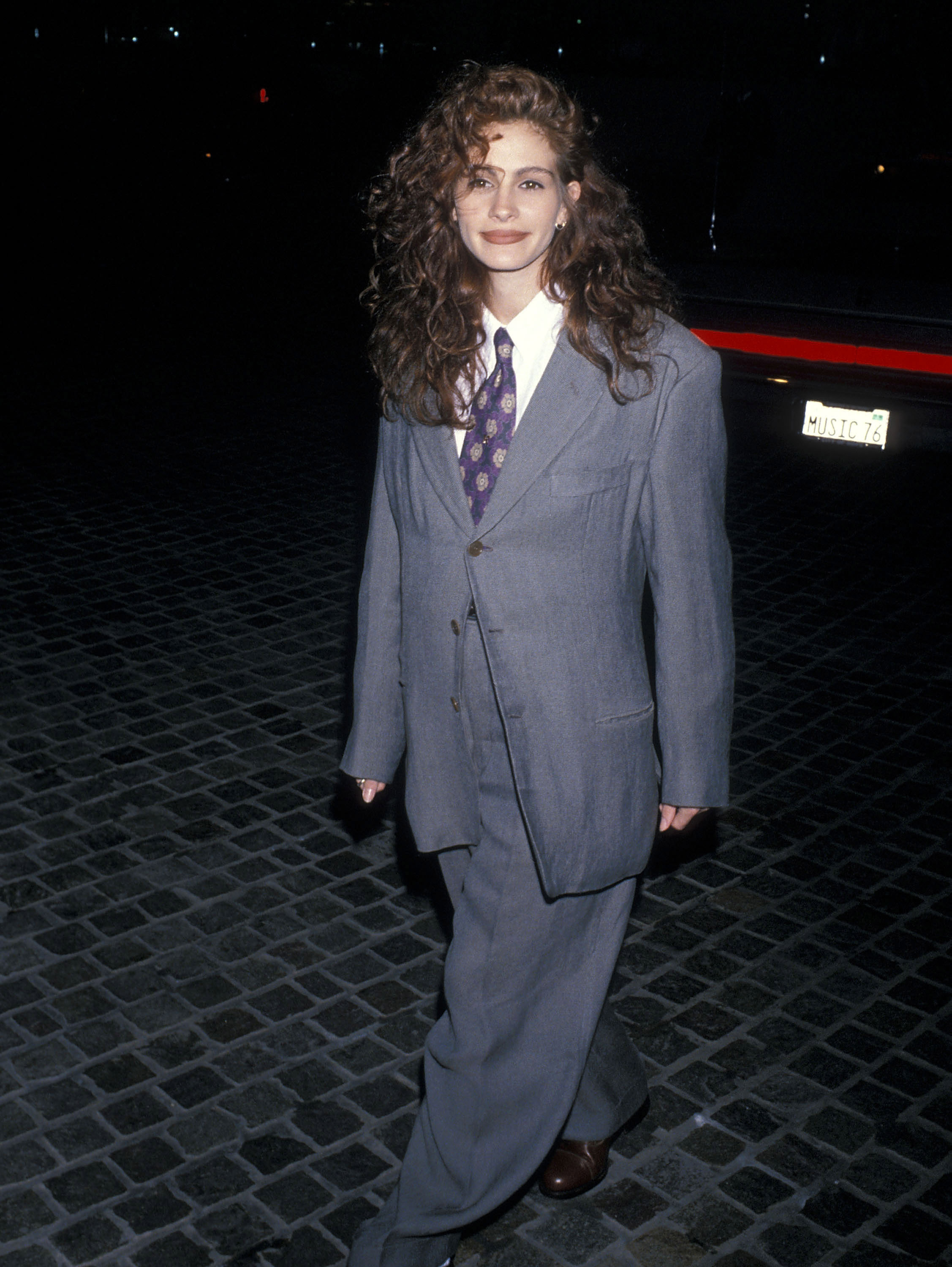 Never Forget When Julia Roberts Slayed In An Oversized