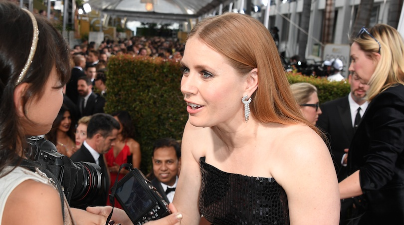 Amy Adams Photobombed A Pic Of Amy Schumer With The Quot Stranger Things Quot Kids And This Is Why We