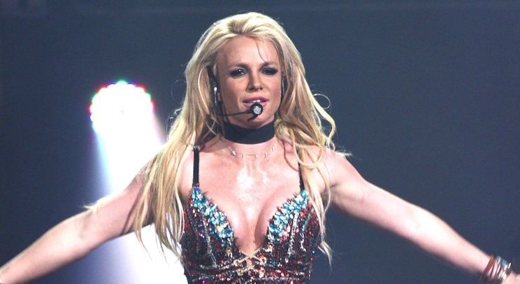 Britney Spears won Favorite Female Artist at the People's Choice Awards |  HelloGiggles