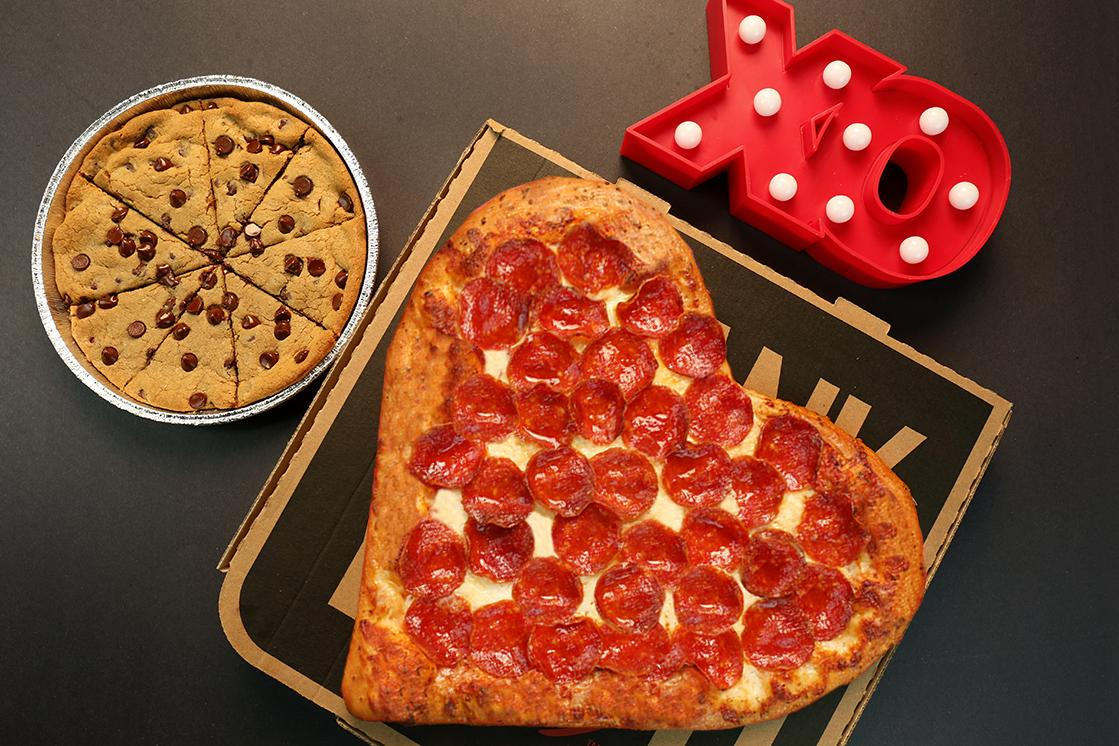 Red Alert: Pizza Hut Has A Valentineu0027s Day Pizza, And Itu0027s Perfect For  Low Key V Day Plans