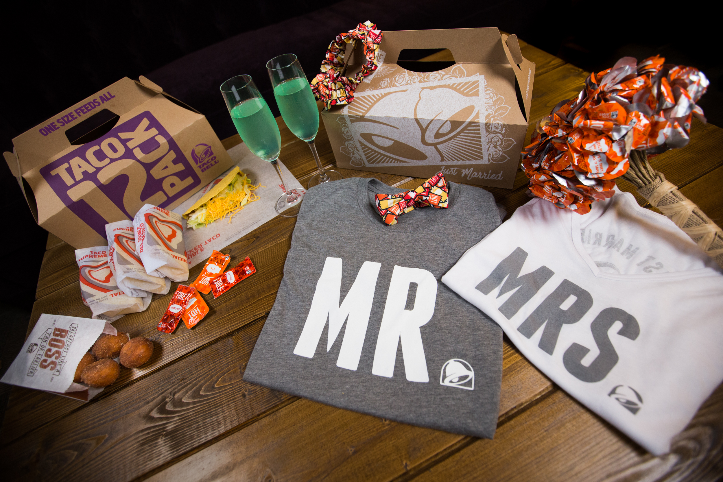 You can now have a Taco Bell wedding, because nothing says true ...