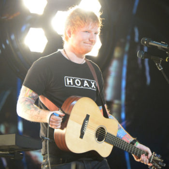 Ed Sheeran doesn't have a phone number (and he loves it!)