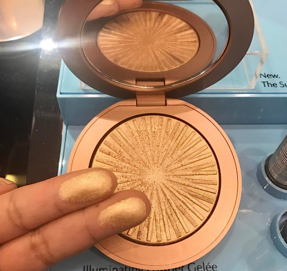Estée Lauder's new Goddess Illuminating Highlighter will make you feel like Cleopatra