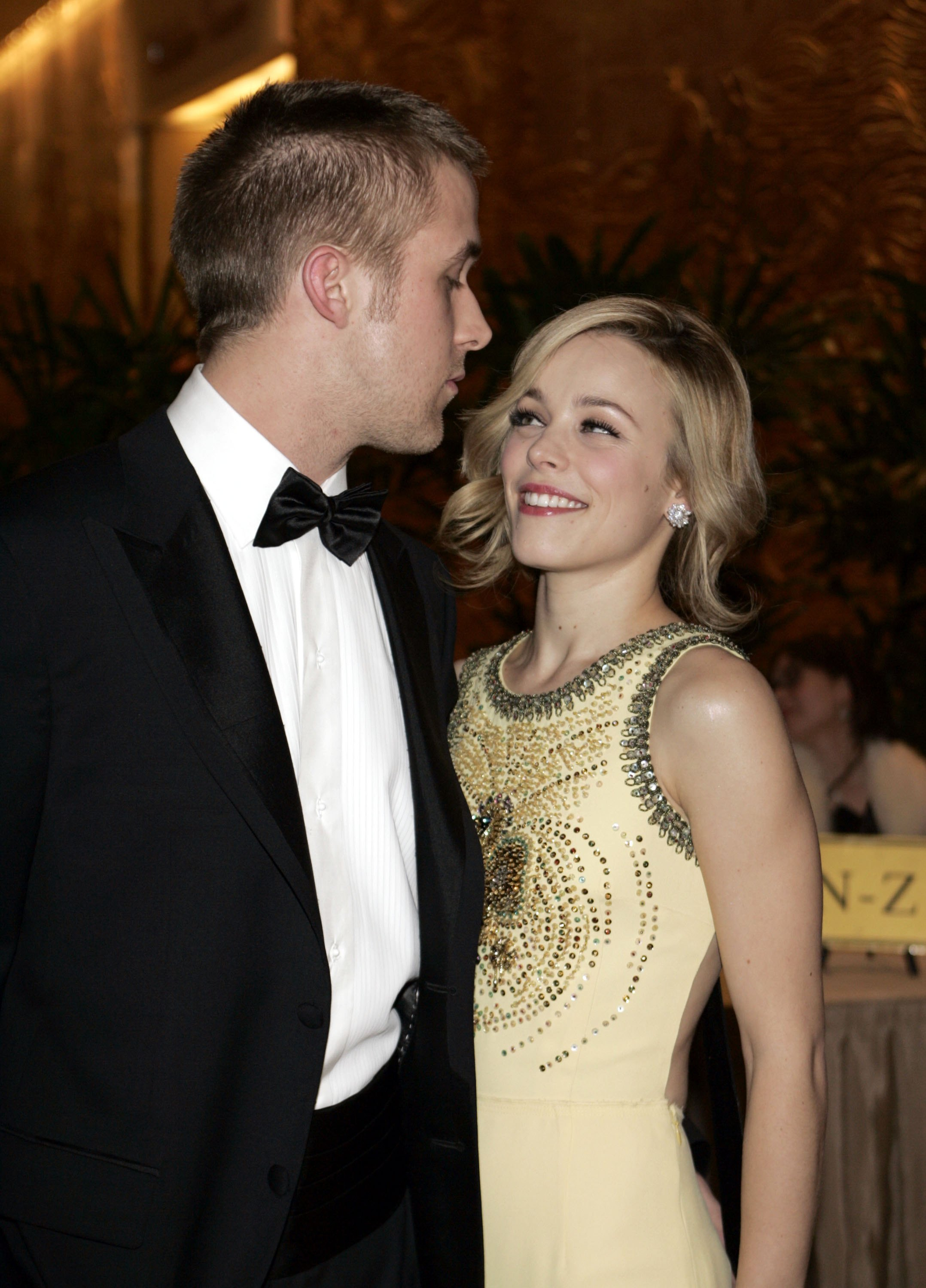 TBT to when Ryan Gosling kissed Rachel McAdams at the 2006 ...