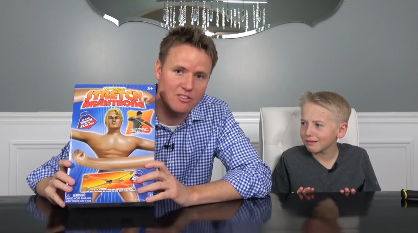 stretch-armstrong-unboxing