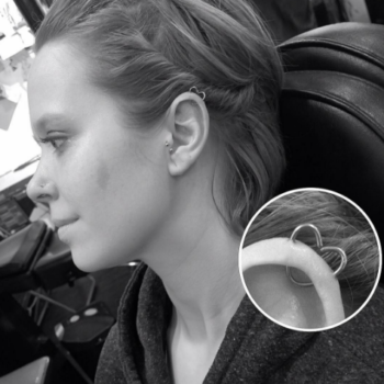"""The """"heartorbital"""" piercing is the earring trend that's about to take over Instagram"""