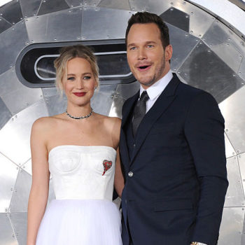 """Jennifer Lawrence and Chris Pratt are at their best in the """"Passengers"""" bloopers"""